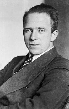 Werner Heisenberg photo